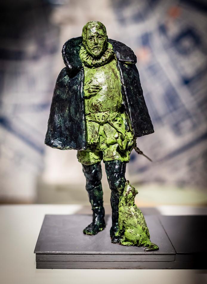 Kunstenaar Arie Schippers mocht het standbeeld van Willem van Oranje maken.
