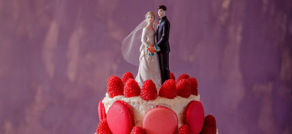 Bruidstaart voor dummies (met frambozen en rozen)