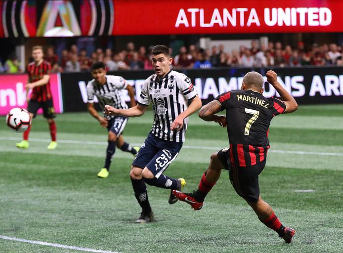 Josef Martinez schiet de 1-0 binnen.