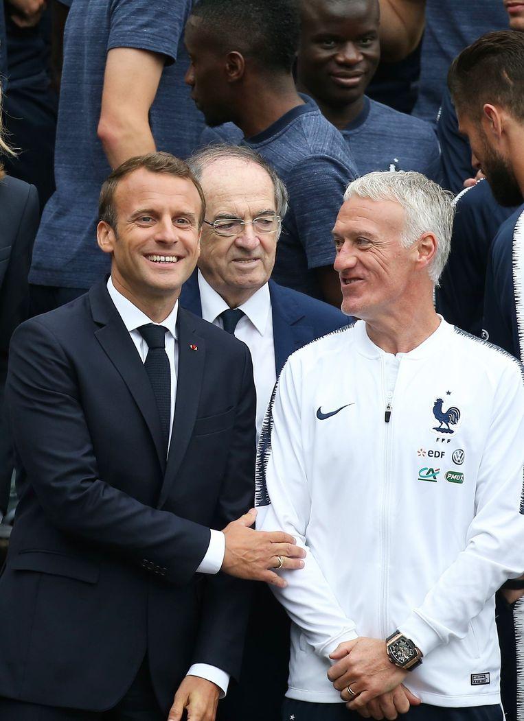 Vlnr.: Emmanuel Macron, Noël Le Graët en Didier Deschamps.