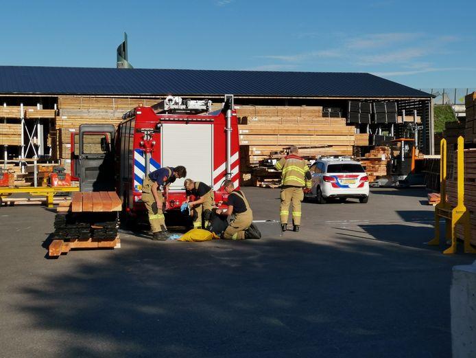 Brandweer, ambulance en politie schoten te hulp na het bedrijfsongeval in Ede.