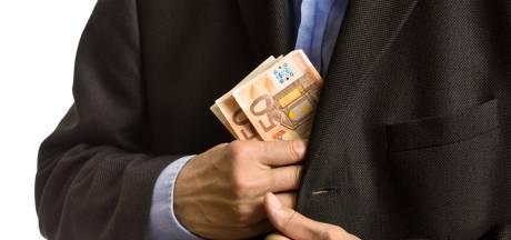 Woede en verbijstering over frauderende ambtenaar Doetinchem: 'Die galbak is er met ons geld vandoor'