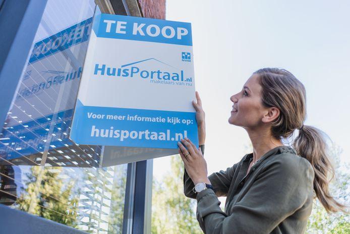 ERA vb&t Makelaars uit Eindhoven neemt online huizenverkoper huisportaal.nl over.