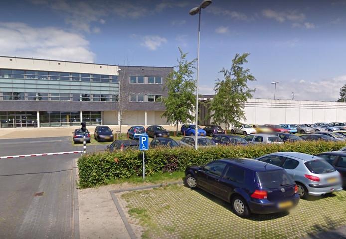 De aangehouden man is overgedragen aan de Justitiële Jeugdinrichting (JJI) in Lelystad.