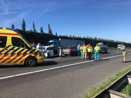 Kettingbotsing op A28 tussen Amersfoort en Nijkerk, snelweg dicht