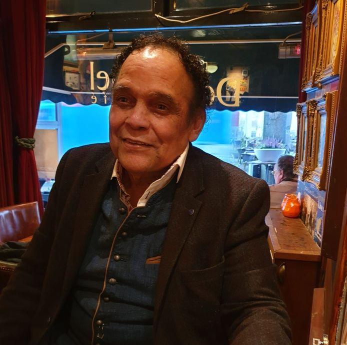 Henk Bulo is op 70-jarige leeftijd overleden aan de gevolgen van het coronavirus. Zijn stiefdochter plaatste een oproep op Facebook, waarin ze een ieder oproept vooral het gezonde verstand te gebruiken. 'Blijf thuis. Ik gun het niemand om op deze gruwelijke manier een dierbare te verliezen.'