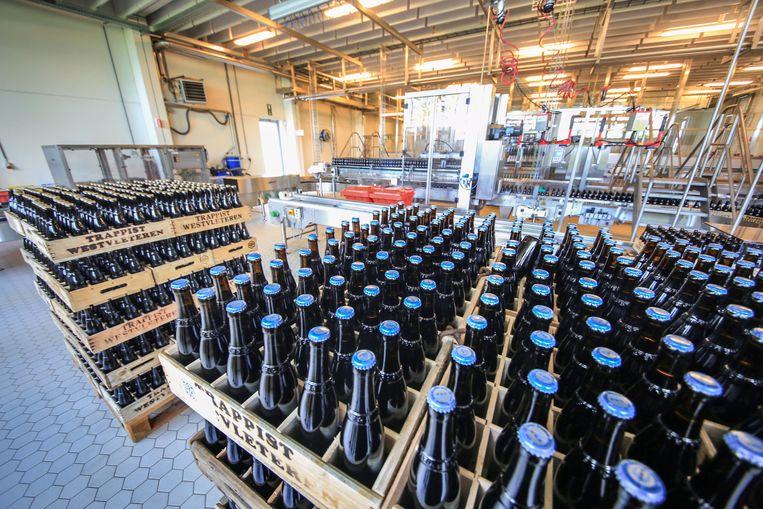 De monniken van de Sint-Sixtusabdij in Westvleteren hebben hun verkoopsysteem aangepast. Mensen die bier willen kopen, kunnen dat voortaan via een website bestellen.