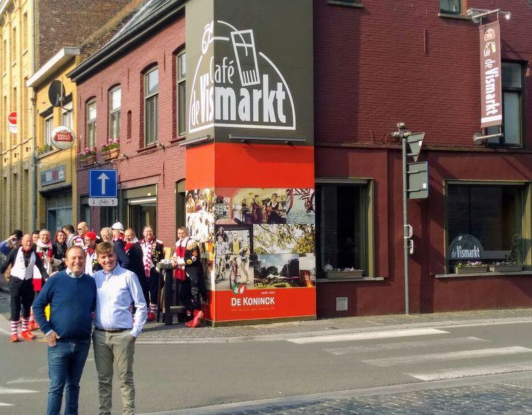 Arthur Depoorter neemt café De Vismarkt over van zijn vader Stefaan.