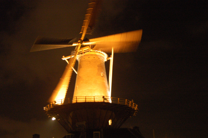 Verlichten Molen de Roos kost 20 mille | Delft | AD.nl
