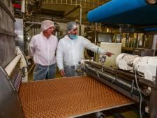 Waarom supermarkt-kruidnoten allemaal uit één fabriek komen en toch anders smaken