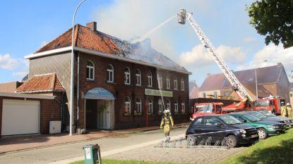 Geen gewonden, maar aanzienlijke schade bij brand Sint-Franciscusschool Velzeke