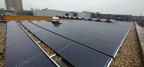 Tweehonderd zonnepanelen op dak Pieter Pauw in Wageningen