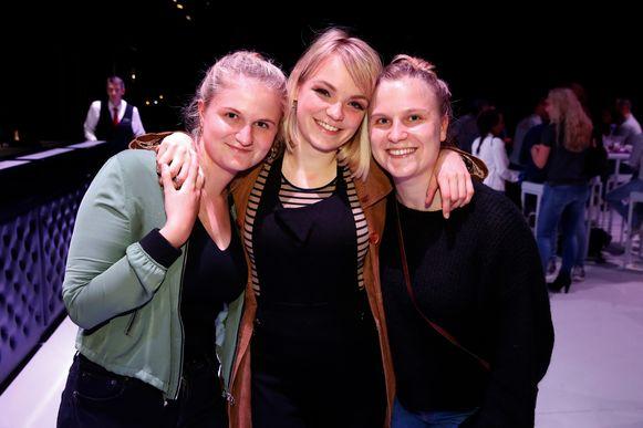Fee Loobuyck met haar nichtjes Elizabeth en Charlotte.