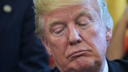 """Twitter stond 'oorlogstweet' Donald Trump toe voor """"nieuwswaardigheid"""""""