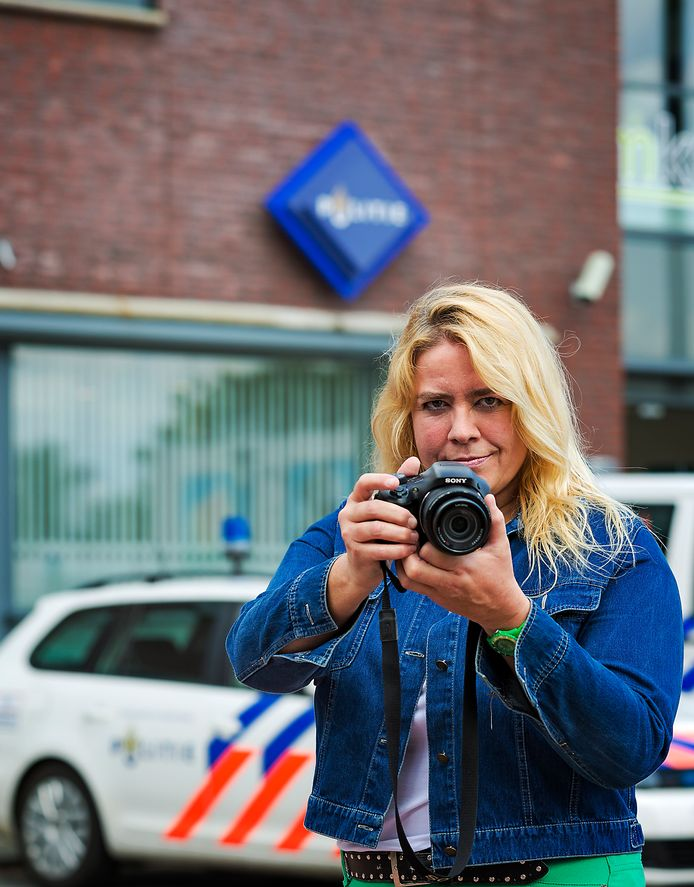 """,,Mijn wapen is mijn camera"""", zegt Saskia van Rooy."""