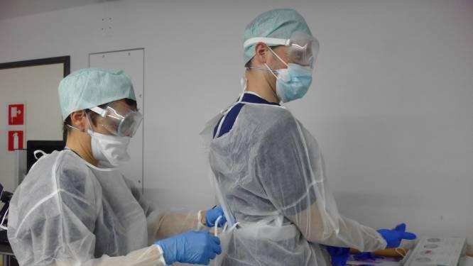 OVERZICHT. Coronacijfers blijven dalen: nieuwe besmettingen met ruim derde, opnames en overlijdens met kwart