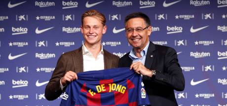 Crisis bij FC Barcelona: zes bestuursleden opgestapt