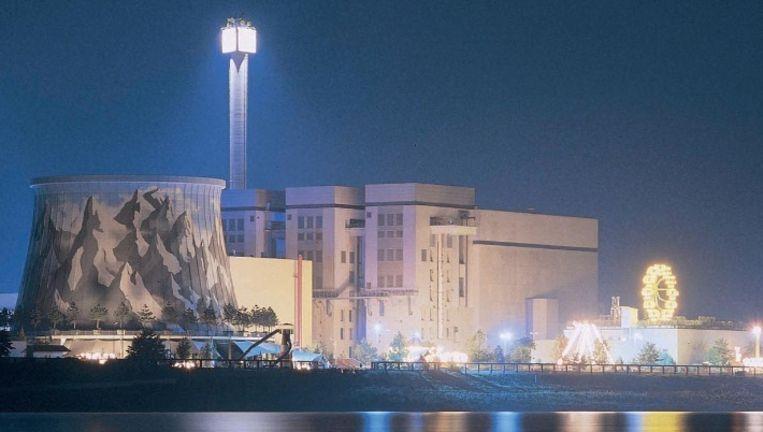 Pretpark Wunderland Kalkar. Is de nooit afgebouwde kerncentrale het voorland van menig oude energiecentrale? Beeld Wunderland Kalkar