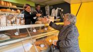 """Werken voor de deur? Deze bakker lost het creatief op en koopt tweedehands marktkraam: """"Het was dit of een groot deel van onze broodwinning kwijtraken"""""""