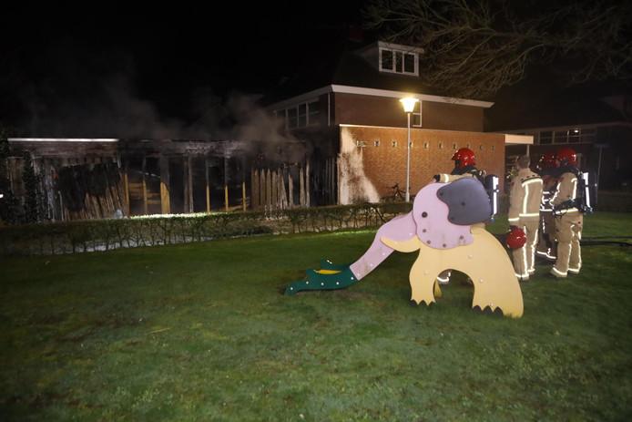 Brand in bijgebouw in achtertuin Best
