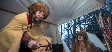 Ridders en Vikingen brengen kerstsfeer naar Halsaf