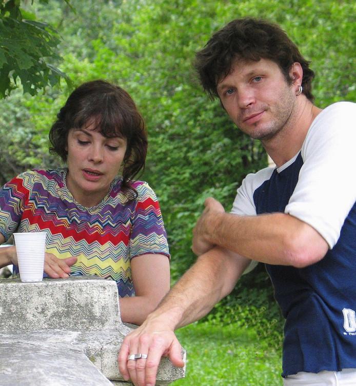"""Marie Trintignant et Bertrand Cantat, le 24 juillet 2003, sur le plateau de """"Colette, une femme libre"""". La nuit du 26 au 27, le chanteur de Noir Désir la battra à mort."""