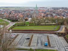 Klachten over parkeren in Genemuiden, maar op nieuwe parkeerplaats staan vrijwel geen auto's
