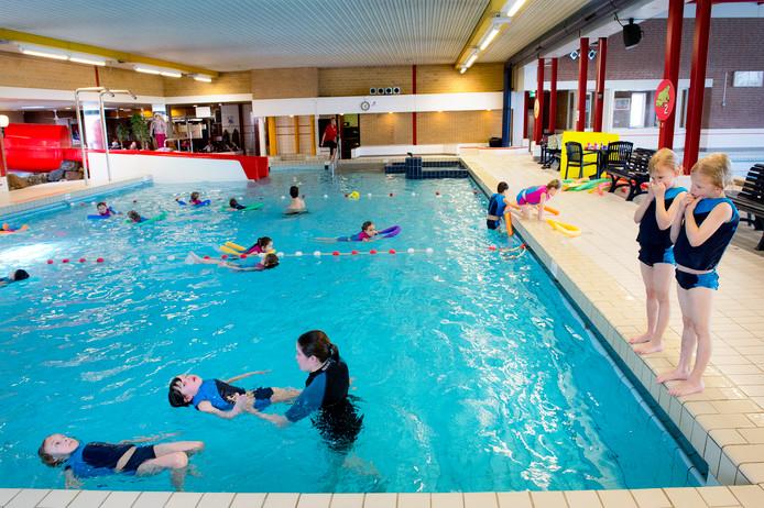 39 maak nieuw zwembad inzet van de verkiezingen in beuningen for Zwembad uden