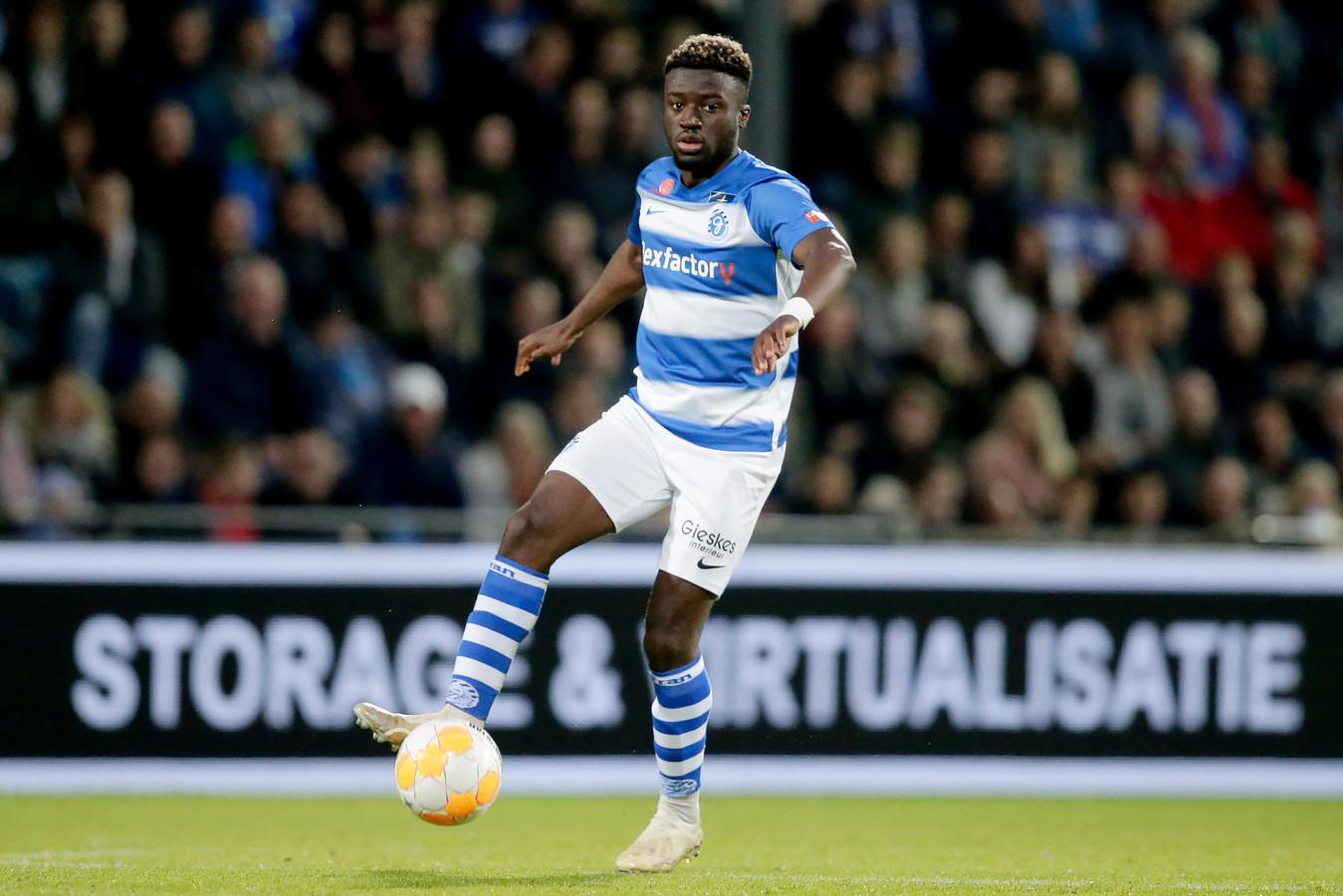 De Graafschap-rechtsback Leeroy Owusu.