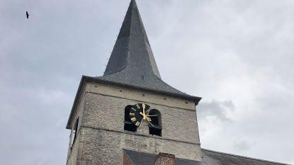 Storm Freya aan de haal met wijzerplaat van kerktoren