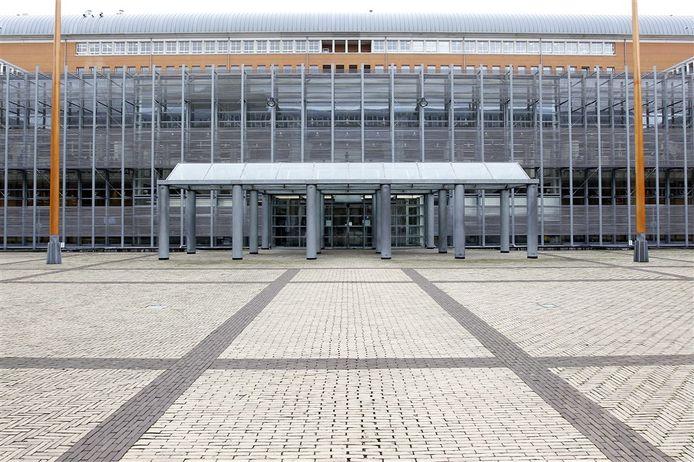 Hoewel de deuren van het Paleis van Justitie in Den Bosch langer dicht blijven, komen de rechters wel in actie