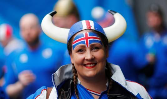 Ze zijn terug op het grote toneel: de fans van IJsland