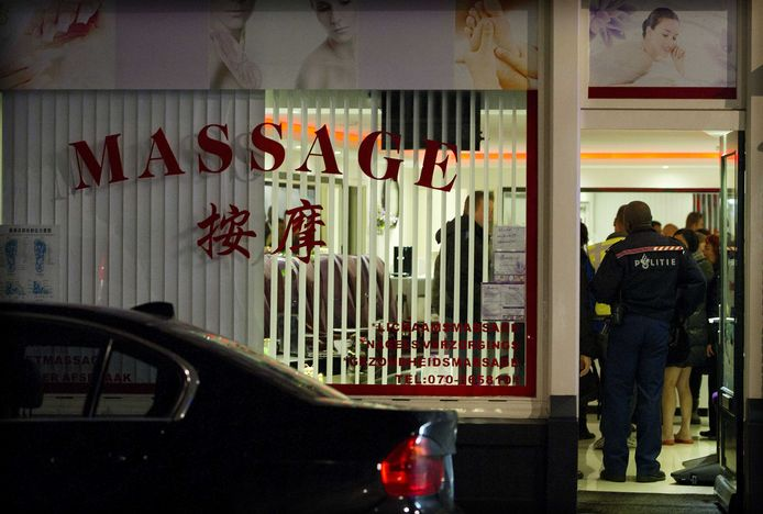 Foto van een Chinese massagesalon in 2011 waar ook spermasporen werden aangetroffen.