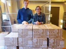 Veel medewerkers ROC van Twente doneren kerstpakket aan goed doel