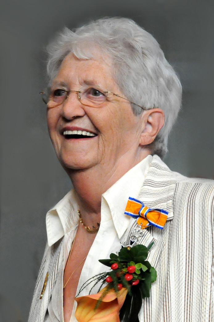 In 2010 werd Dien de Haan geridderd vanwege haar verdiensten als vrijwilliger bij de CGK Zwolle.