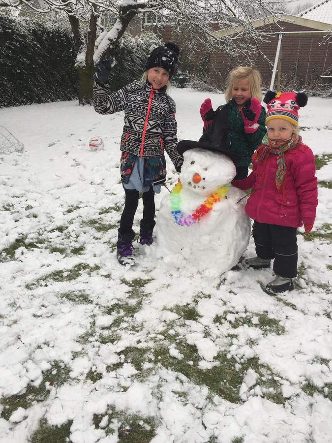 Sneeuwpret in Overloon.