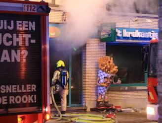 """Hevige brand verwoest frituur 't Krokantje: """"We weten nog niet of we gaan heropstarten"""""""
