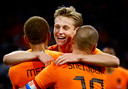 Frenkie de Jong straalt bij zijn debuut in Oranje van donderdagavond tegen Peru.