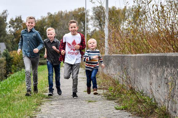 De broers Victor, Gilles, Maxime en Julien Van Geert.