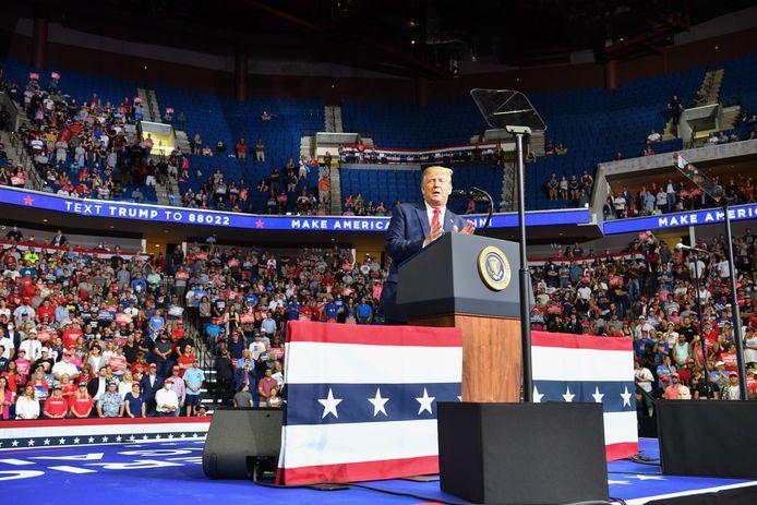 De Amerikaanse president Donald Trump tijdens zijn speech gedurende de campagnebijeenkomst in Tulsa op 20 juni.
