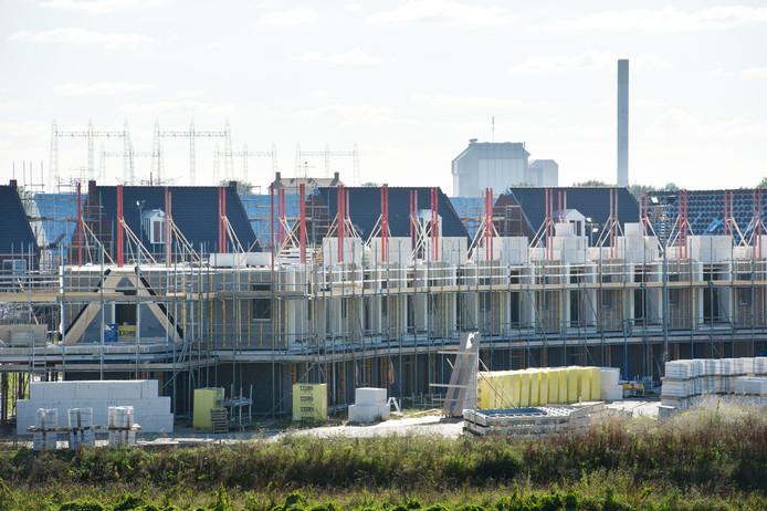 De bouw van nieuwe woningen in Nijmegen-noord in 2017.