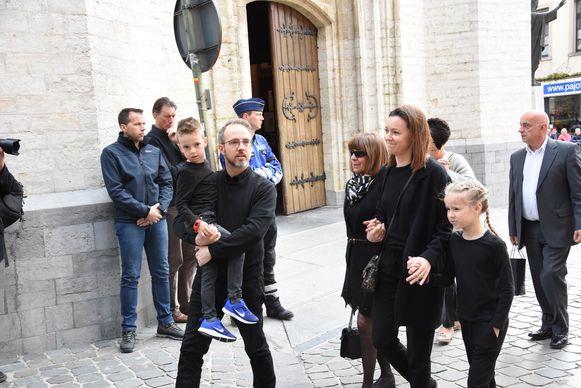 Zoon Christophe met zijn vrouw en kinderen.