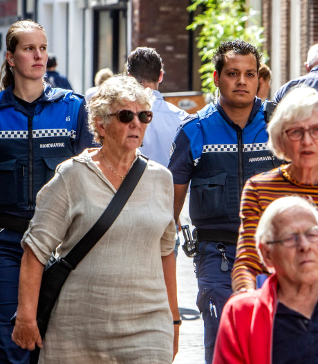 Deventer handhavers gaan de strijd aan met het imago van de verdwenen stadswacht