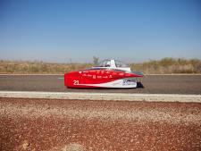 Solar Team Twente na tweede racedag in Australië nog steeds aan kop