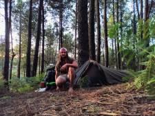 Mike reist met slechts 25 euro op zak: 'Mezelf wassen doe ik in een rivier'
