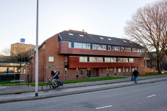 De Havendijk 1001 in Schiedam. Ooit het onderkomen van de bibliotheek, in de toekomst een hotel?