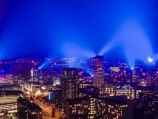 Eindhovense lucht kleurt felblauw: de mooiste foto's op een rij