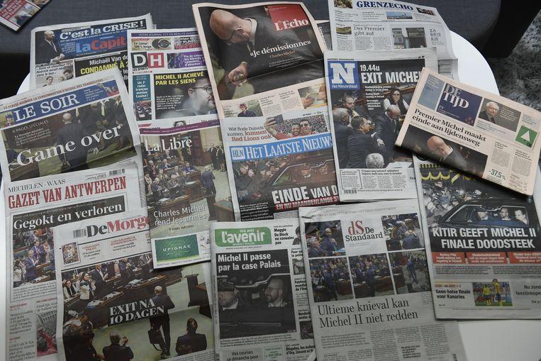 Voorpagina's van de Belgische kranten nadat premier Michel de handdoek in de ring heeft geworpen.  Beeld BELGA
