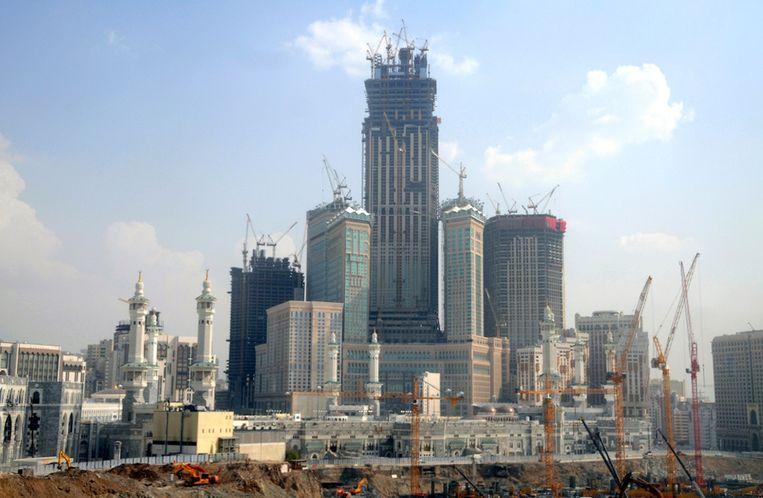 Nieuwe hoogbouw in het centrum van Mekka. Beeld afp