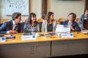 Thom van Campen (VVD), Silvia Bruggenkamp (Swollwacht), Sylvana Rikkert (GroenLinks) en Gerdien Rots (ChristenUnie) bij de presentatie van het coalitieakkoord in 2018.